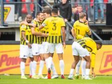 Vitesse verslaat NEC in de derby van Gelderland, Deen Frederiksen matchwinnaar in kolkende Goffert