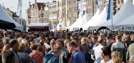 Bokbierdag gaat onder voorbehoud door in vertrouwde stijl, op Zutphense markten: 'Spreiden was geen optie voor horeca'