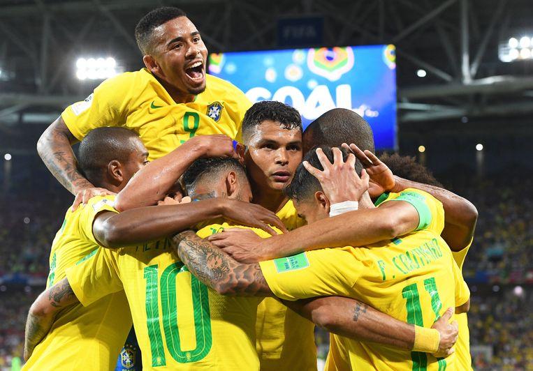 Brazilië viert feest.  Beeld EPA
