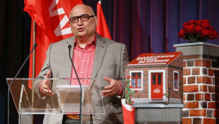 Voorzitter Rudy De Leeuw aan het woord tijdens het congres in Blankenberge. Beeld BELGA