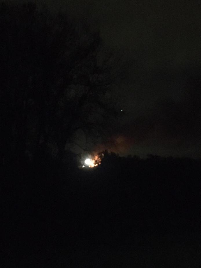 De brand vanaf de Waalbrug gezien.