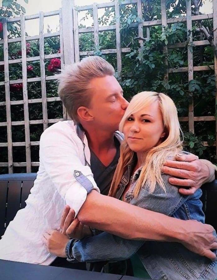 Pim Symoens en zijn vriendin Rebecca.