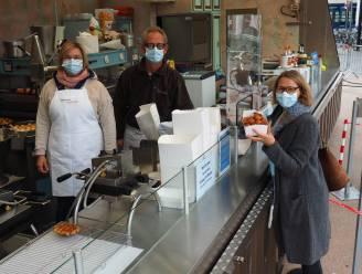 """Ontzettend warm initiatief"": Ondanks crisis trakteren kermiskramers woonzorgcentrum op berg smoutebollen"