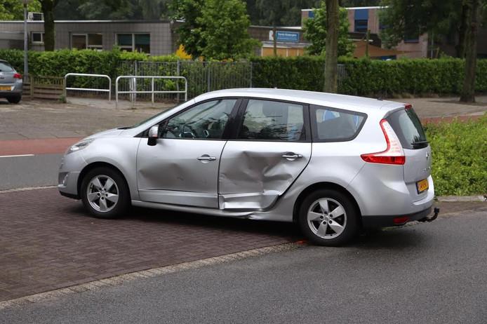 Flinke schade aan een van de auto's