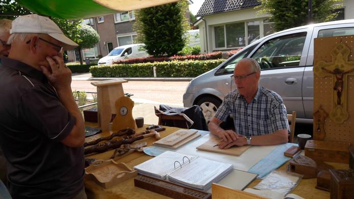 Houtsnijwerk Frans van Kruijsdijk