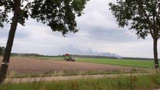 De brand in Marknesse is zelfs in Bant te zien.