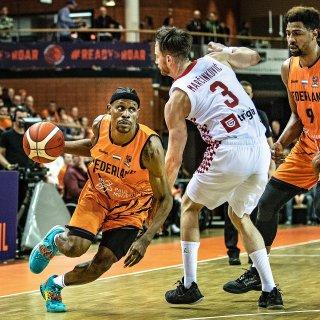 De weg omhoog is ingeslagen, maar de Nederlandse basketballers stunten niet opnieuw