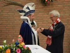 Kersverse prins Martienus den 1e kroont drietal tot vrienden van de Langeweg