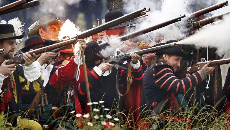 Figuranten spelen de Slag om Groenlo na. Het Beleg had plaats in 1627 tijdens de Tachtigjarige Oorlog (1568-1648). Beeld anp