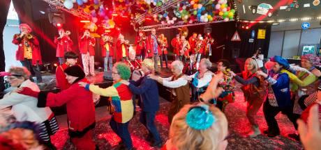 Knipoog in carnavalslied wel oké, maar met mate, vinden onze lezers