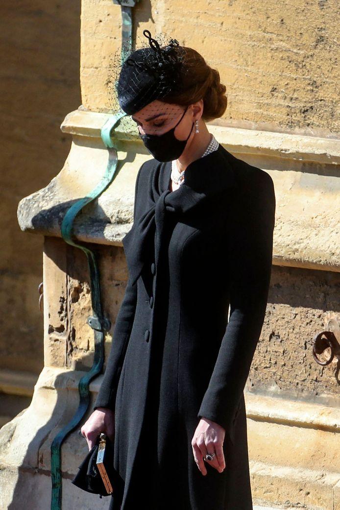 Kate Middleton portait des bijoux de la Reine pour assister aux funérailles du prince Philip.