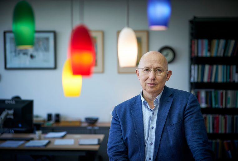 Procureur-generaal Rinus Otte presenteert nieuw onderzoek naar OM-strafbeschikking, waarbij de Officier van Justitie op de stoel van de rechter zit.  Beeld Phil Nijhuis