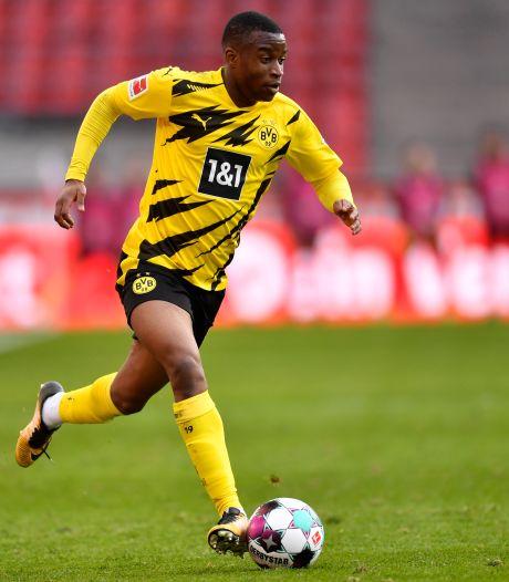 Opnieuw klap voor Dortmund: toptalent Moukoko rest van het seizoen uitgeschakeld