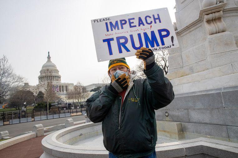 De roep om Trump weg te krijgen als president, klinkt steeds luider. Beeld EPA