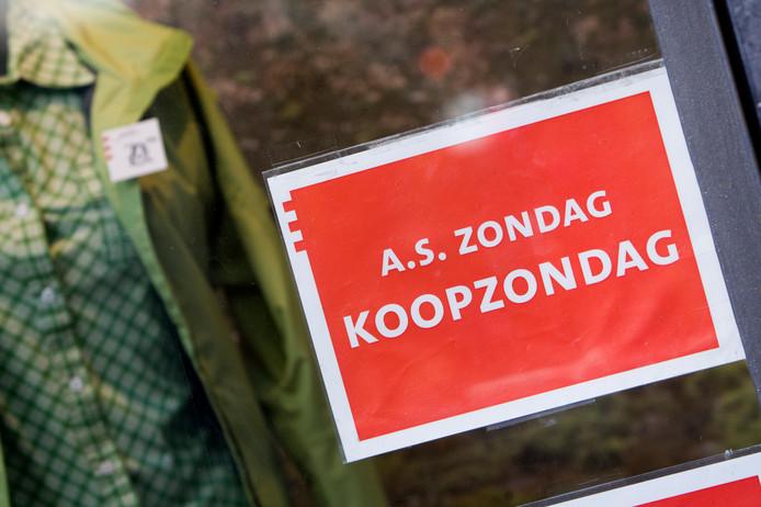 In Wierden zijn de meningen van de winkeliers over het aantal koopzondagen per jaar verdeeld.