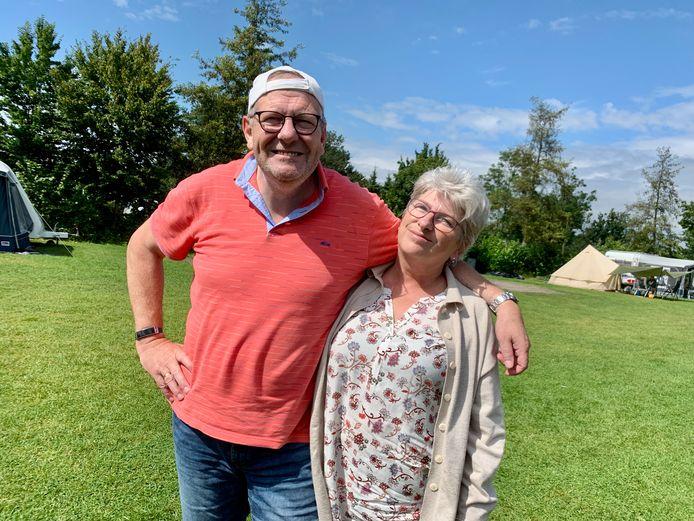 Willem en Corrie van Urk komen van Urk en verblijven op de camping in Hank. Daar komen ook hun kinderen op af, dus de caravan zit de komende tijd nog wel even vol met Urkers.