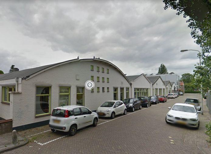 De Hessen Kasselstraat in Eindhoven. De vier panden links worden gesloopt. Hier komen 20 woningen met werkruimtes.