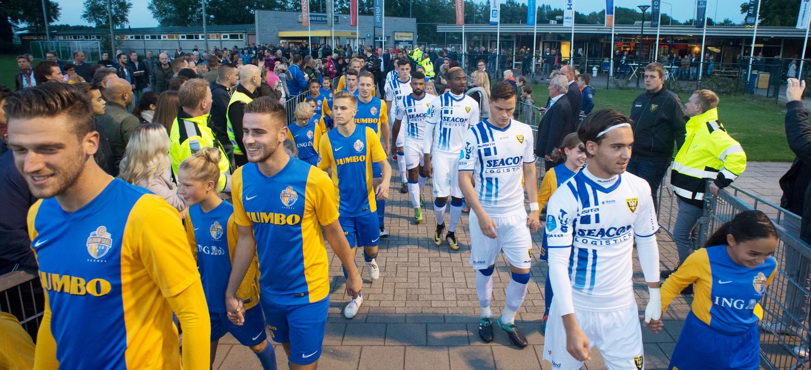 Blauw Geel'38 speelde vorig seizoen tegen VVV-Venlo in de KNVB-beker.