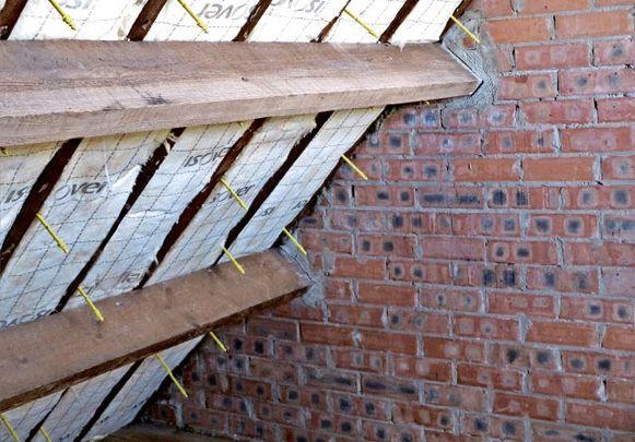 Dankzij die middelen kunnen in eerste instantie de daken van de gemeenschapscentra geïsoleerd worden.