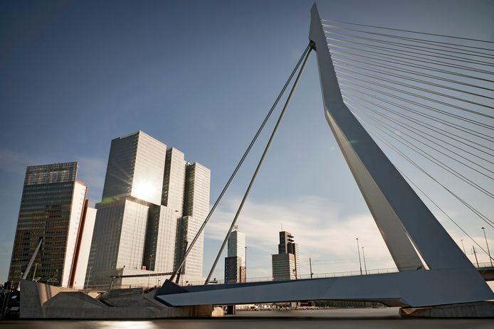 Het centrum van Rotterdam moet worden vermeden, stelt het RIVM.