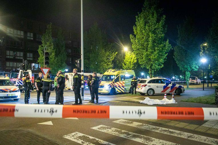De man werd doodgeschoten in het Oostelijk Havengebied.  Beeld ANP
