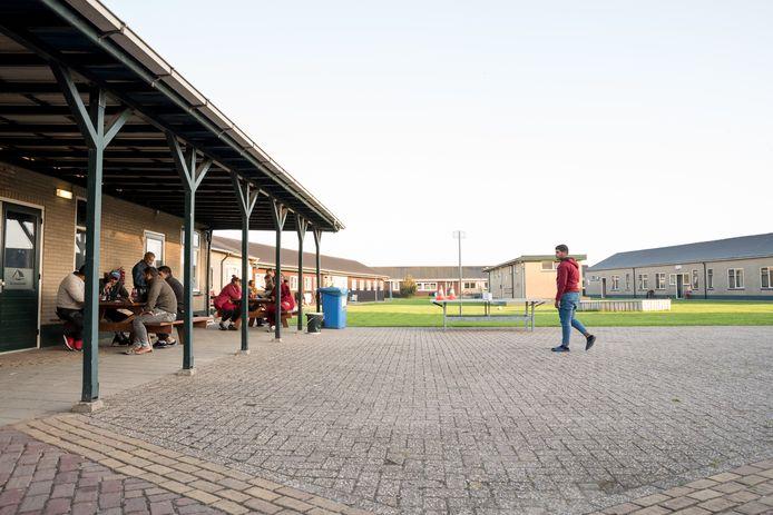 Groepsaccommodatie De Stoofpolder bij Bruinisse is verkocht en wordt verbouwd voor huisvesting (flexwonen) van seizoensarbeiders.