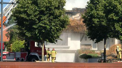 Zware brand in villa met rieten dak in Diksmuide