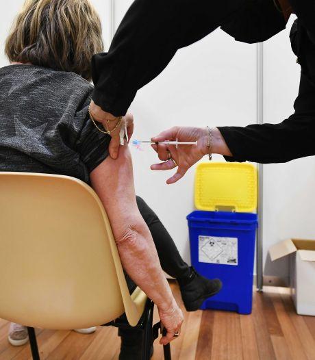 Huisartsen hebben buik vol van vaccinatiegezwabber: 'Hou nou op met je protocollen en laat ons prikken'