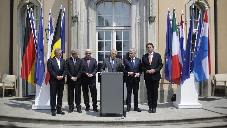 De zes ministers van Buitenlandse Zaken Beeld ap
