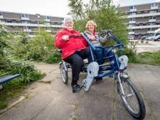 Gezellige duofiets haalt eenzame Capelse ouderen uit huis