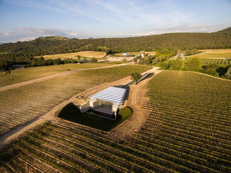 Het nieuwe fotopaviljoen bij Château La Coste van de Italiaanse architect Renzo Piano. Beeld Stéphane Aboudaram / We Are Contents