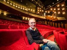 Vaste bezoeker Jeroen Brok gegrepen door de illusie van Schouwburg Hengelo