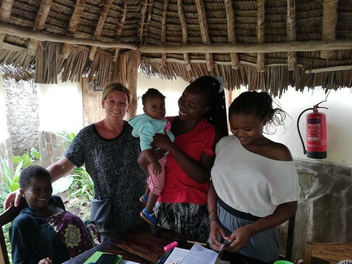 Anja van der Putten in Kebene Children's Home in Kenia.