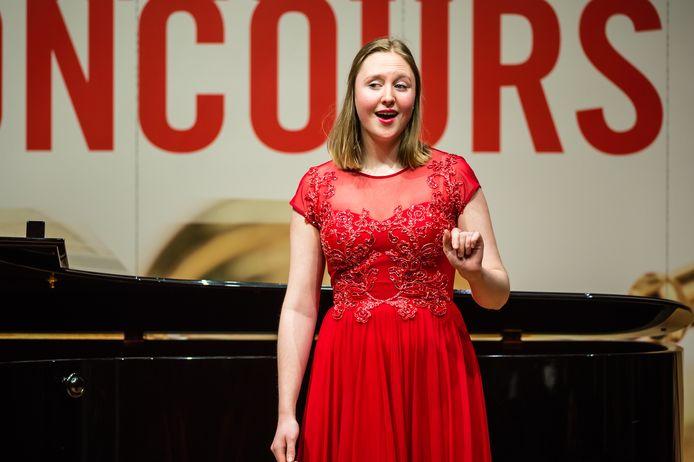 De Zwolse zangeres Roza Herwig won in Groningen ook een reis naar Parijs en een masterclass van een docent naar keuze.