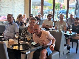 """Supporterscafé van Wout van Aert in Lille verbijt ontgoocheling: """"Immense druk heeft hem parten gespeeld"""""""