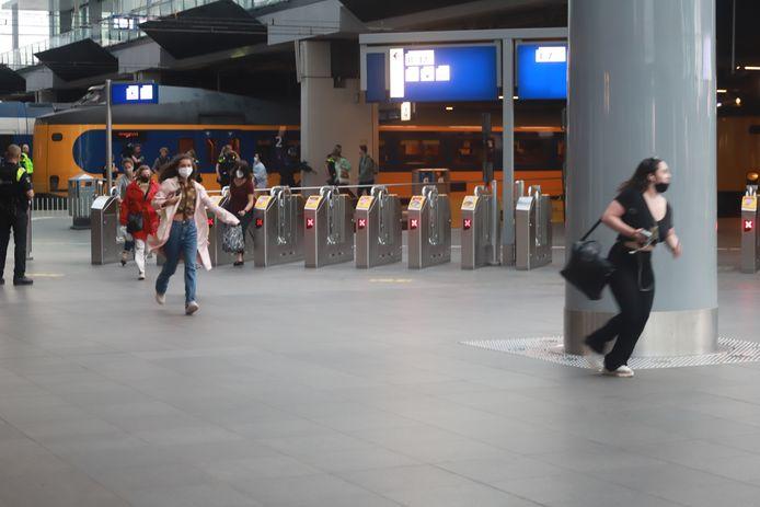 Man aangehouden op Den Haag Centraal, na een bedreiging eerder vanavond in Gouda.