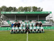 Tricht-voetballer Luke van Dijken eert opa Jan bij opening tribune met een wereldgoal