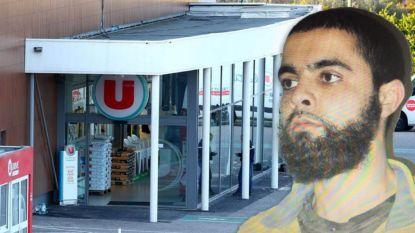 """"""" Hallo, politie? Ik werk bij de Super U in Trèbes en word gegijzeld. Hij zegt dat hij een soldaat van IS is"""""""