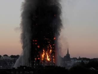 """Rapport over zware brand Grenfell Tower: """"Brandweer wachtte te lang met evacuatie"""""""