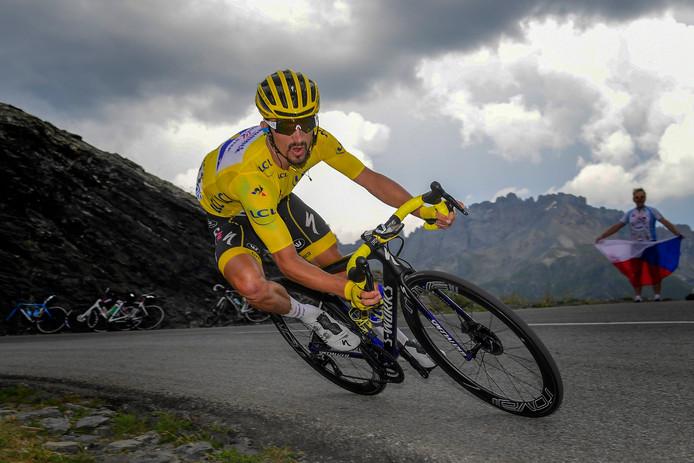 Julian Alaphilippe a pris tous les risques pour sauver son maillot jaune.