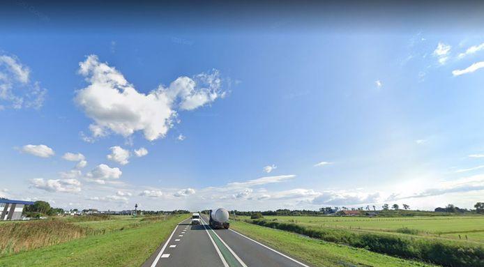 De doordringende geur in Kampen kwam niet van het bedrijventerrein aan de N50, maar van een boer die iets verderop mest had uitgereden.