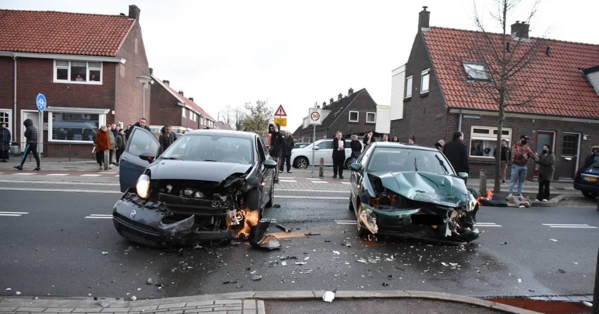 Weer ongeval in beruchte bocht Doornenburg: vrouw met spoed naar ziekenhuis.