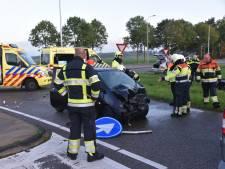 Twee gewonden bij frontale botsing in Beuningen
