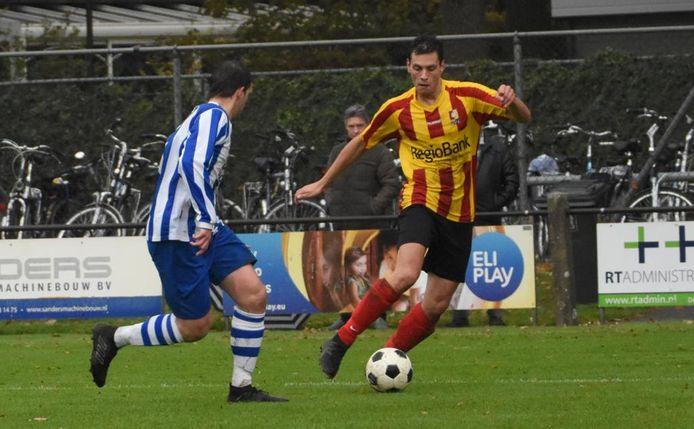Bas van Houtum aan de bal voor DVG.