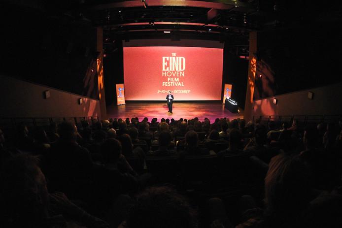 Een beeld van het Eindhoven Film Festival van Broet Basement. Het EFF wordt bedreigd door het stopzetten van de gemeentelijke subsidie.