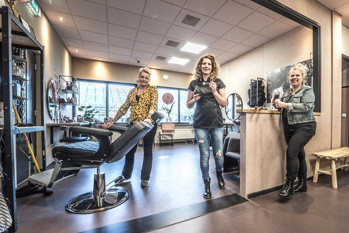 De dames van Beautyinstore in Schipluiden.