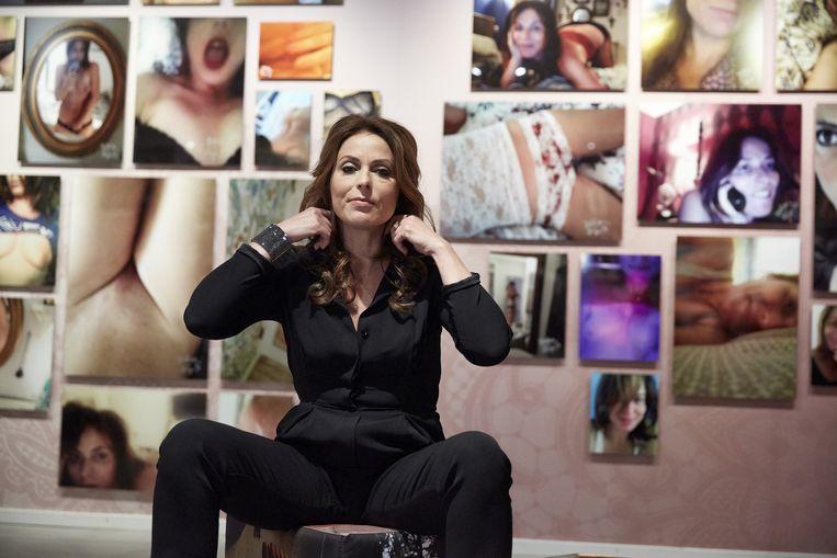 Heleen van Royen tijdens de opening van haar expositie Selfmade in het Letterkundig Museum. Beeld anp