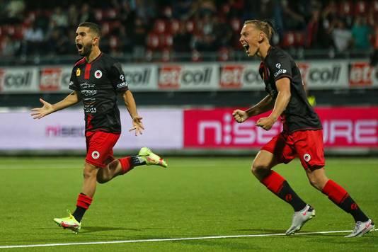 Vreugde bij doelpuntenmakers Marouan Azarkan en Julian Baas.