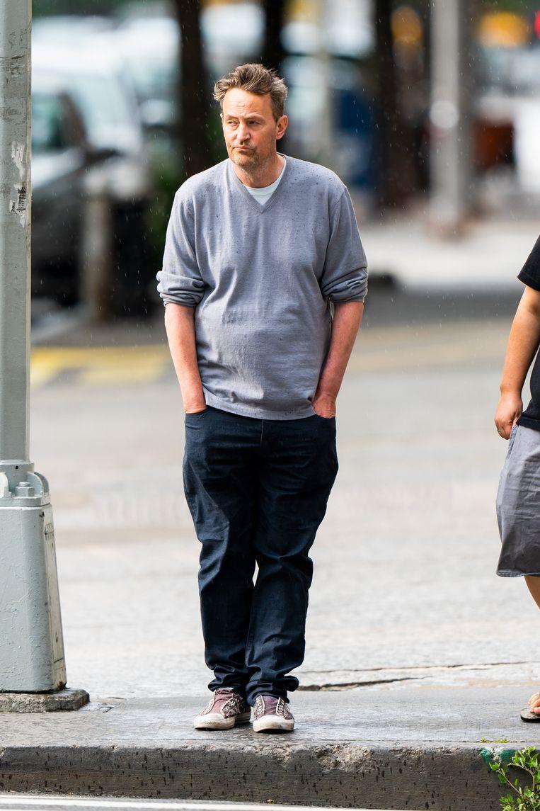 Ook begin juli werd Matthew gefotografeerd en zag hij er zichtbaar terneergeslagen uit.
