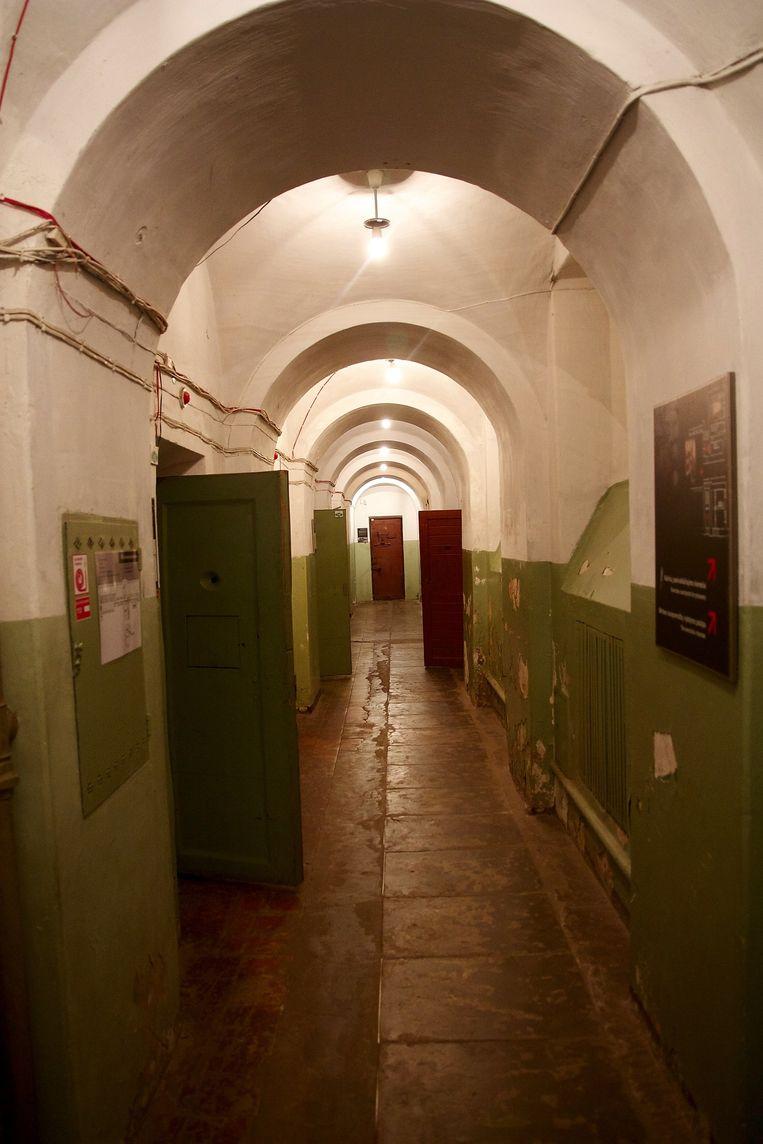 Het cellencomplex in de kelder van het KGB-hoofdkwartier in Vilnius, Litouwen. Tegenwoordig opengesteld voor bezoekers van het Genocidemuseum. Beeld null